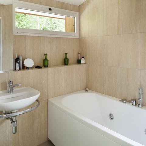 Ceramic Tiles For A Modern Bathroom Style